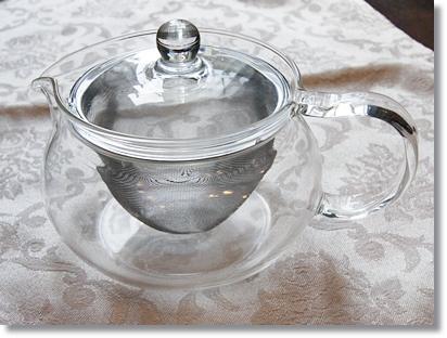 ハリオの耐熱ガラス製「茶茶急須 丸」