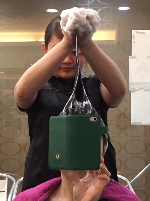 椅子に座ったまま行う台湾式シャンプーを体験してきました! 小林髮廊