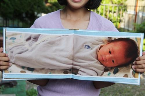 生まれたばかりの赤ちゃんをほぼ等身大で残せるココアル フォトブックワイド