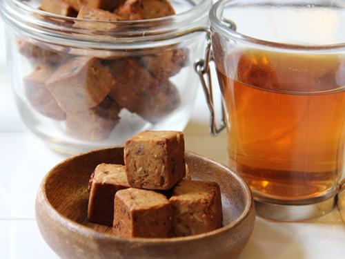 大豆粉&大麦粉で満腹感♪ 大麦と果実のソイキューブ 熊田曜子SELLECTION