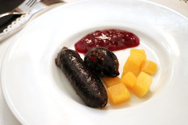 エストニアのクリスマス料理 血のソーセージ