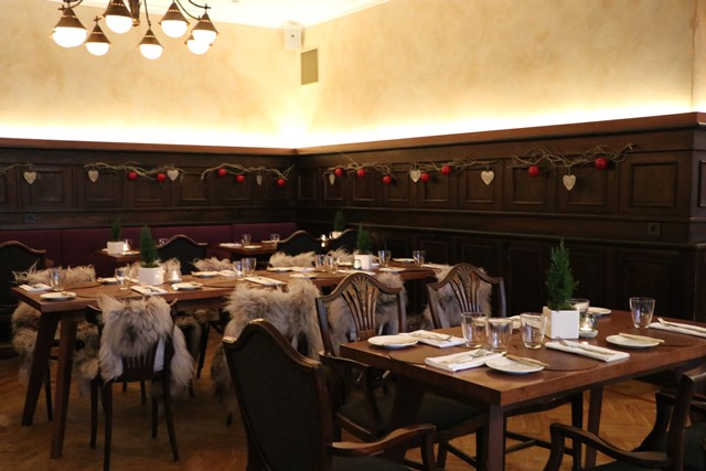 タリンのおすすめ隠れ家レストラン Leib Resto ja Aed