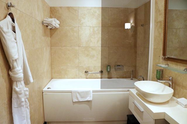 ヴィフラマナーハウス バスルーム