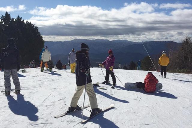 初めての家族スキー旅行! リフト代、レンタル代などスキーにかかる費用はいくらぐらい?
