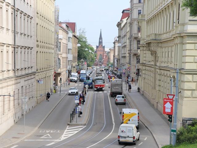 チェコ・ブルノ市内を歩いて観光。聖ペテロパウロ大聖堂、青果市場広場、地下納骨堂をまわる