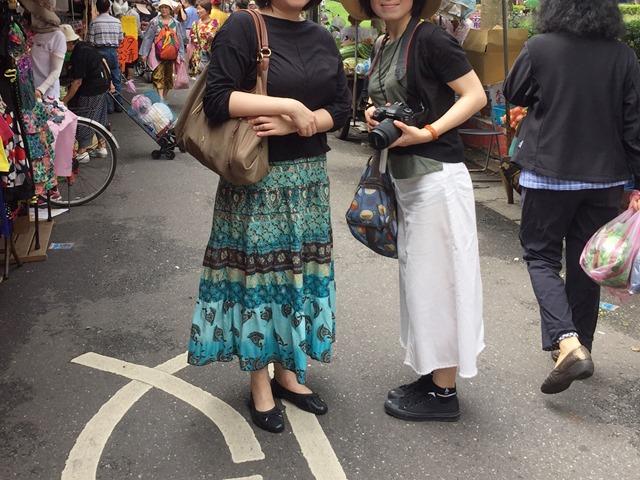 台湾人といっしょにili(イリー)を持って台北観光