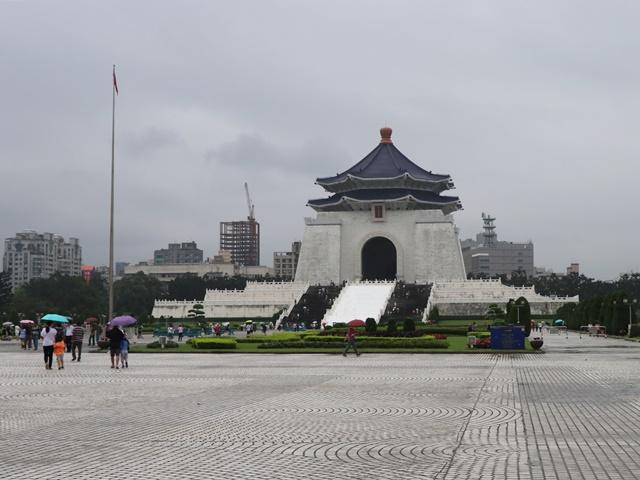 台北 中世記念堂