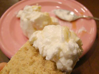手作りケフィアヨーグルトで作る真っ白なフレッシュチーズ