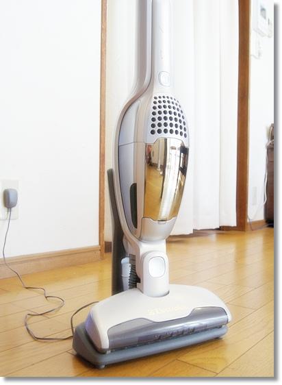 Electroluxのスティック&ハンディ掃除機 「エルゴラピード」を愛用中