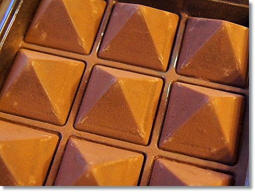 ルタオ(LeTAO)のチョコレート到着。ロイヤルモンターニュ1箱ついてました