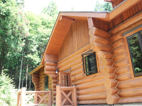 愛知県北設楽郡の野外センター「きららの里」でキャンプ&宿泊体験