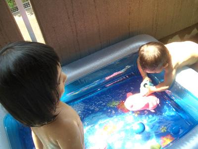 家庭用ビニールプールで楽しむ