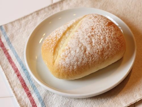 コンビニで買えるちゃんとした食事パン「セブンゴールド 金のロール」
