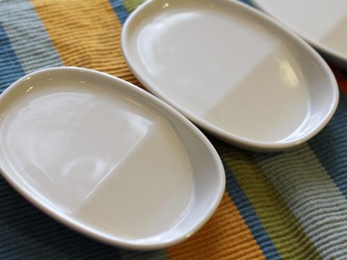 取り皿としても使えて1皿2役! 12のハーブカラーが上品な ななめ底ミニプレートの会