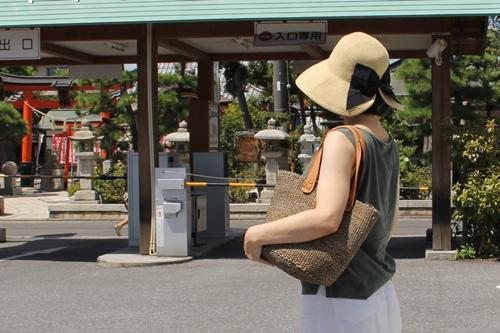 夏の旅行やおでかけに! 折りたたみできる麦わら帽子 ポケッタブルハット
