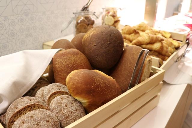 ホテルインディゴ 朝食ブッフェ パン