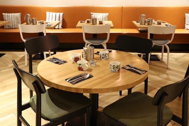 ホテル インディゴ ヘルシンキ Hotel Indigo Helsinki の朝食ブッフェはおいしくておしゃれ