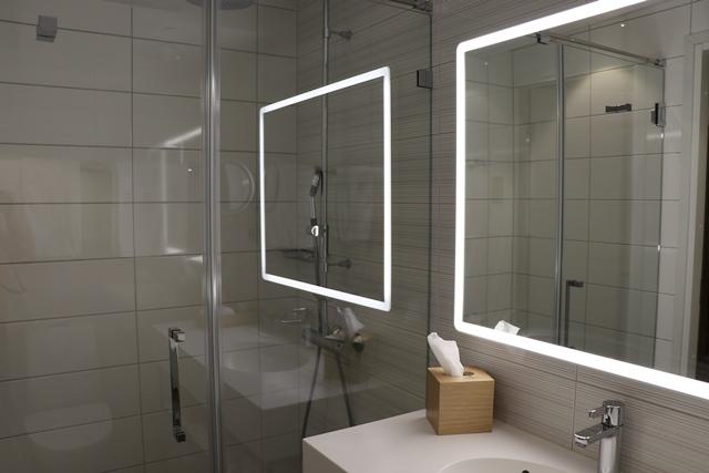 Hotel Indigo Helsinki ホテル インディゴ ヘルシンキ バスルーム
