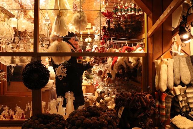 エストニア タリン旧市街のクリスマスマーケット