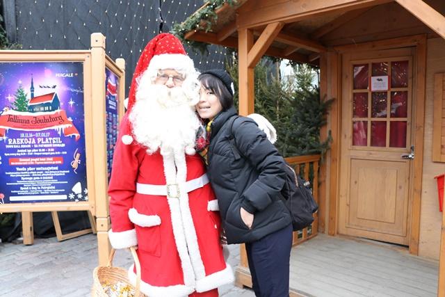 クリスマスマーケットでサンタクロースに会った