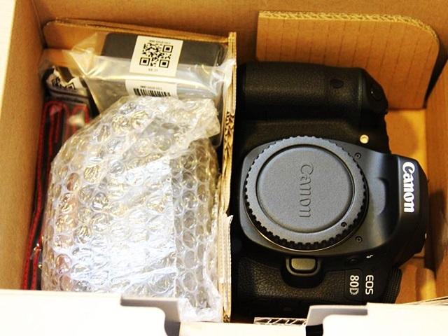 デジタル一眼カメラ キヤノン EOS 80D