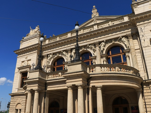 チェコ プルゼニュ 劇場