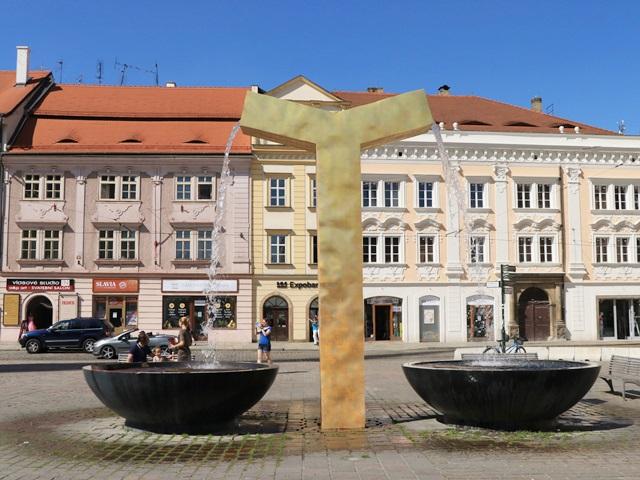 チェコ プルゼニュ 共和国広場 噴水