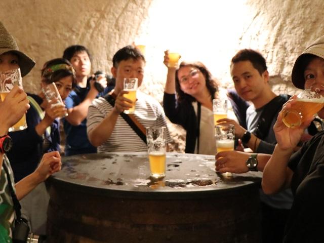 無濾過ビールで乾杯