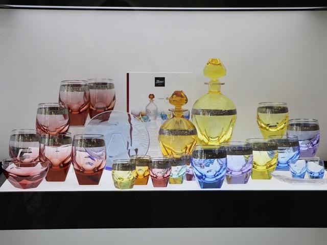 モーゼル社のクリスタルガラス製品