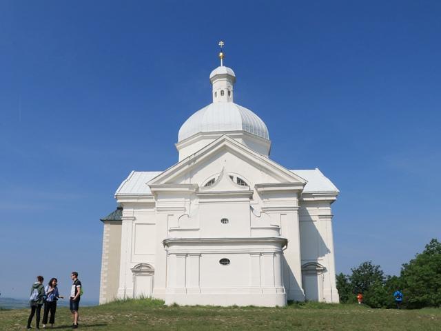 チェコ南部・ミクロフで聖なる丘に上り、ディートリヒシュテイン家の墓とミクロフ城を見学