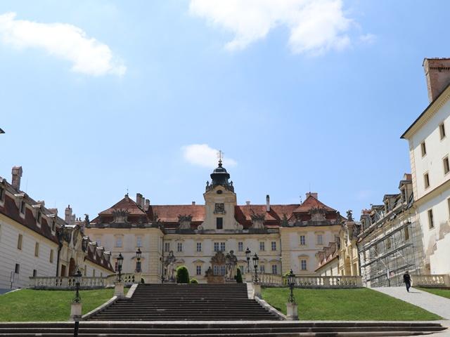 チェコのユネスコ世界遺産 ヴァルチツェ城はモラヴィア地方最大のバロック様式の城 #Valtice