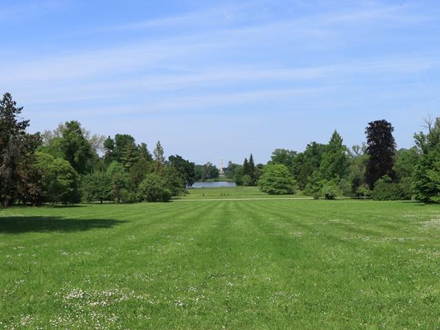レドニツェ城の庭園