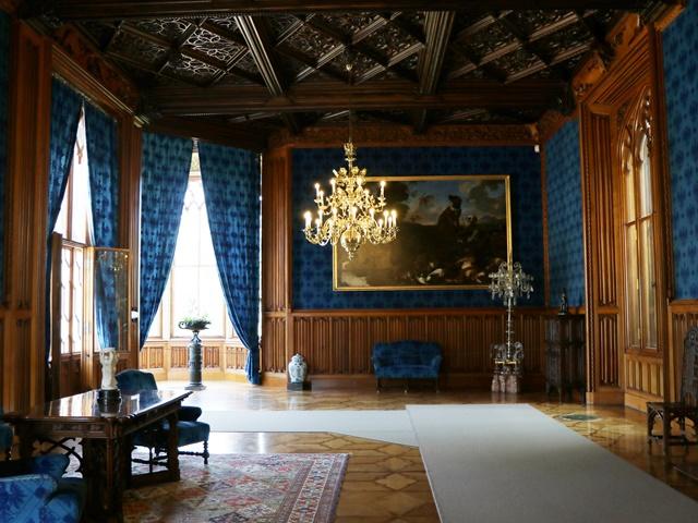 レドニツェ城の青の間