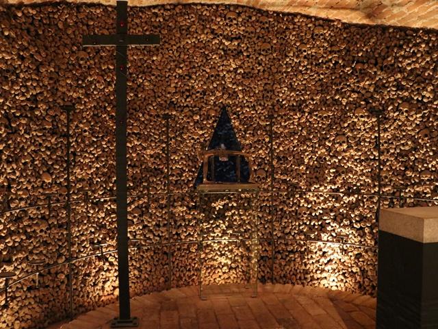 聖ヤコブ教会の地下納骨堂