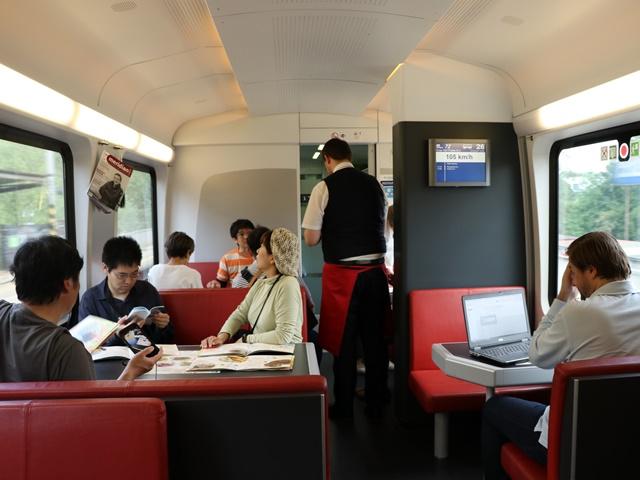 チェコ国鉄の食堂車
