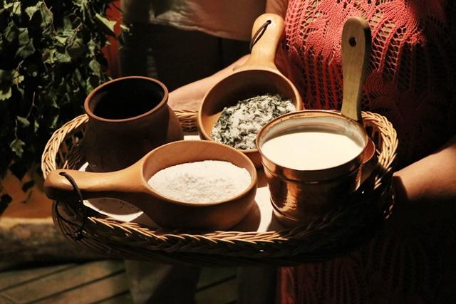サウナで使う塩やケフィア