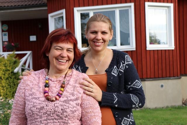 エストニアの田舎暮らしが体験できるカントリーハウスに宿泊、白樺の枝を持って入るサウナも