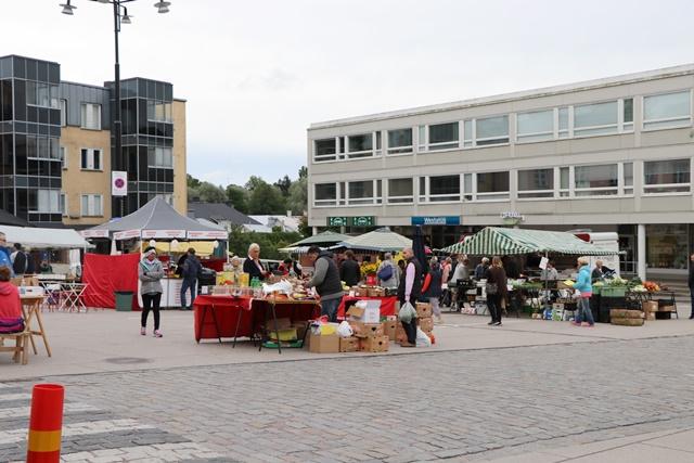 フィンランド南岸部のタンミサーリ旧市街の広場