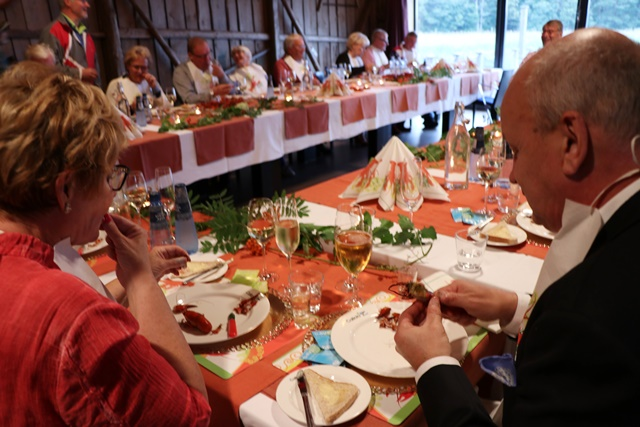 スウェーデン式ザリガニパーティーを見学