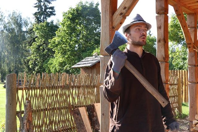 ラトビアで木工体験
