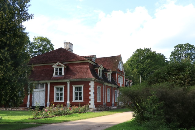 18世紀中ごろに建てられたマナー「ウングルムイジャ領主館」