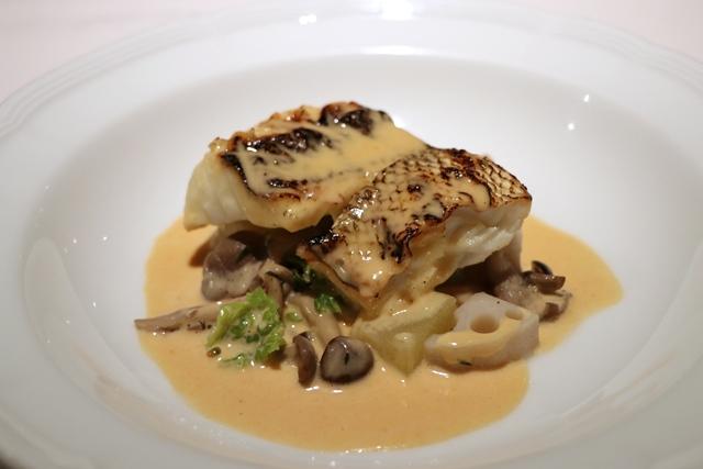ランチコース 魚料理 マダカのグリエ