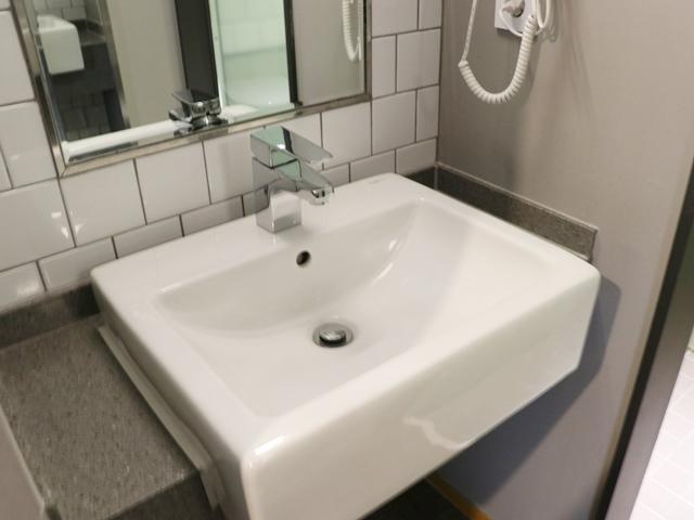 ホテルグリッドイン 洗面所