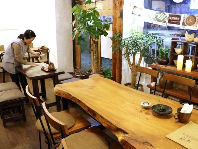 伝統家屋韓屋造りのトゥラン店内