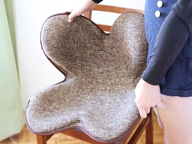 骨盤を支えて正しい座り姿勢をサポートするケアアイテム「ボディメイクシートスタイル」