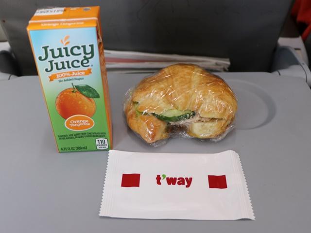 ティーウェイ航空のグアム路線の機内食