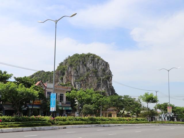 ベトナム ダナンの五行山
