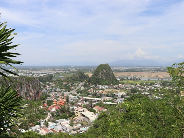 ベトナム ダナンのパワースポット五行山