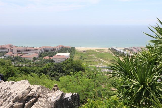 五行山から見るダナンの海岸線