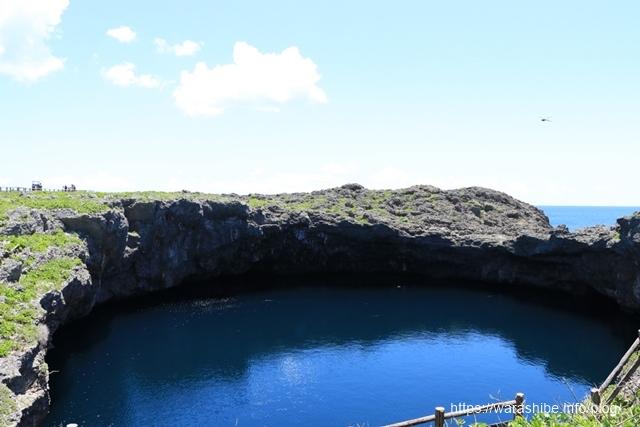 伊良部島にある「通り池」